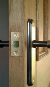 fitting a mortice latch