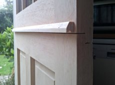 Hanging a stable door