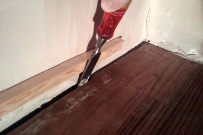 laying laminate how to get the last board in