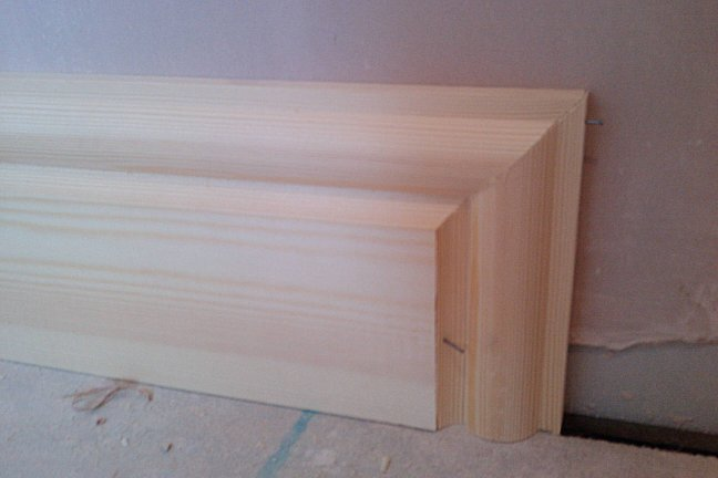 cutting skirting board