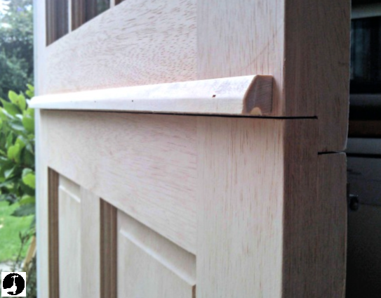 How to hang a stable door