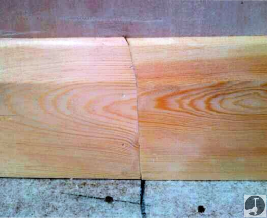 Lengthening joint in skirting boards