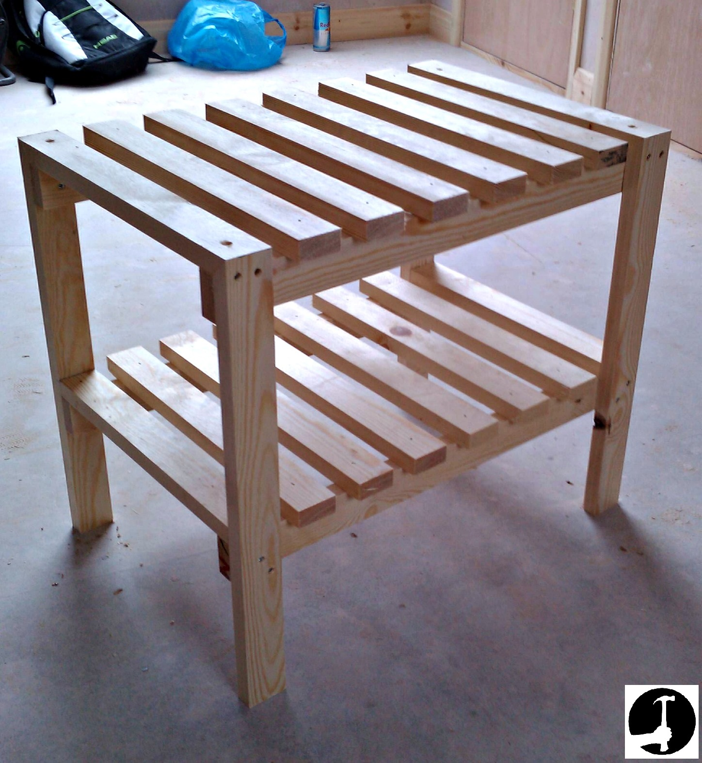 Slatted shelf rack for a cupboard