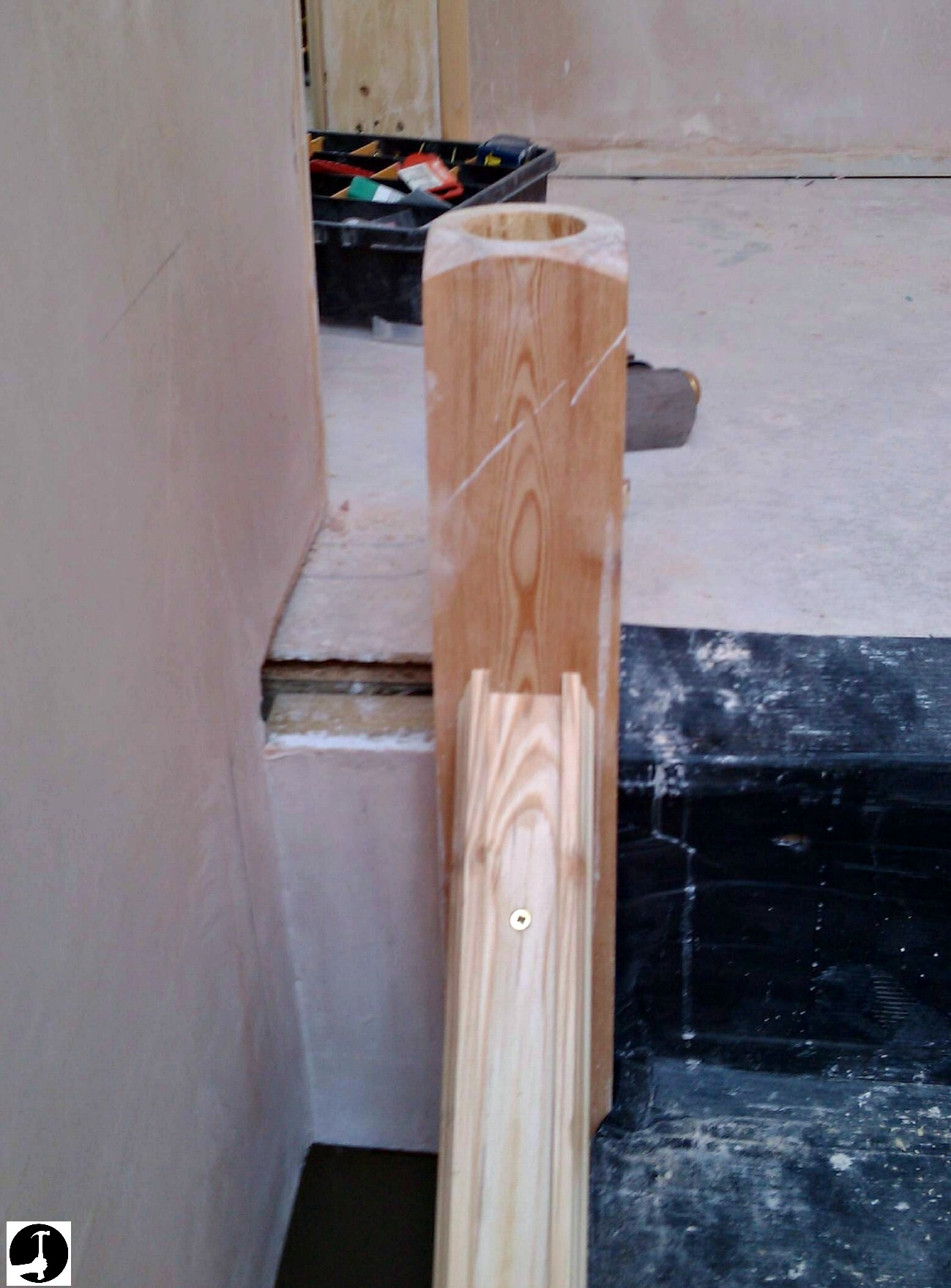 Fitting a half newel