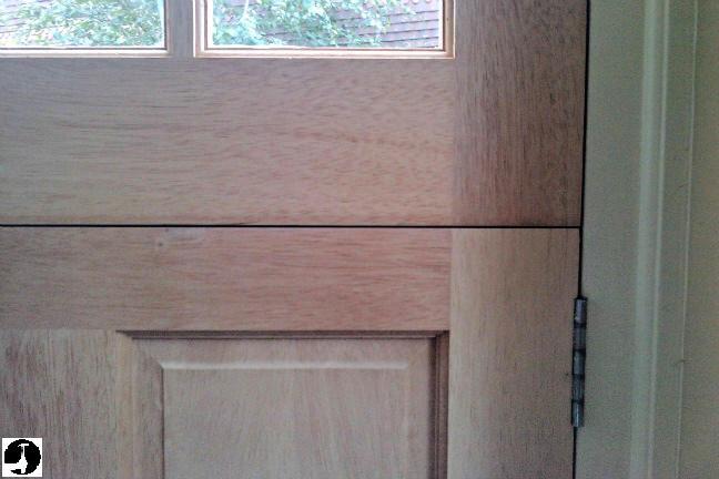 Stable door gap between leafs when hanging a stable door